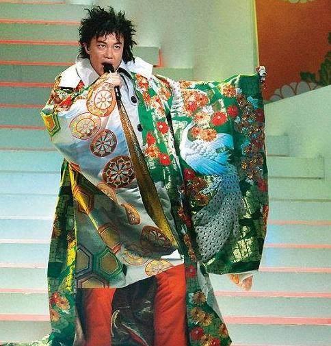 'Mắt tròn mắt dẹt' trước những lần sao Hoa ngữ 'lười' đến mức mặc nguyên đồ ngủ lên sân khấu