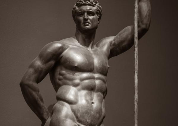 Từ thời kỳ đồ đá đến thời đại 4.0, ngoại hình lý tưởng của đàn ông đã thay đổi thế nào?