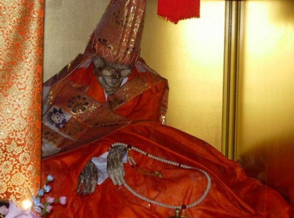Bí ẩn đằng sau thuật 'tự ướp xác' ngay từ khi còn sống của các nhà sư Nhật Bản