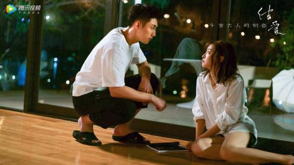 Fan bực mình khi phim của Hoàng Cảnh Du - Tống Thiến bị gọi là 'Vì Sao Đưa Anh Đến' bản Trung