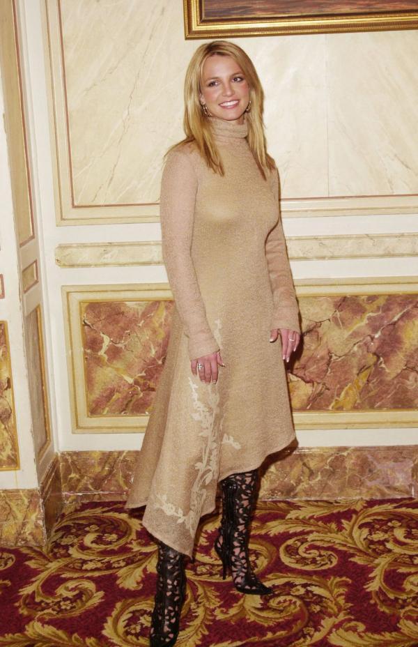 Britney Spears những năm 90s: Từng có một 'công chúa vạn người mê' như thế!