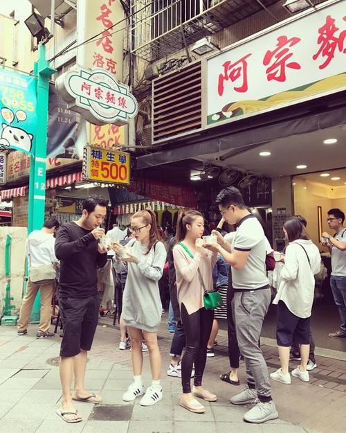 Chuyện trai Đài Loan cưng chiều bạn gái, đến phim ngôn tình cũng chẳng lãng mạn bằng!