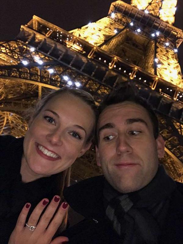 Cậu nhóc Neville mũm mĩm ngày nào trong 'Harry Potter' bất ngờ lấy vợ ở tuổi 28