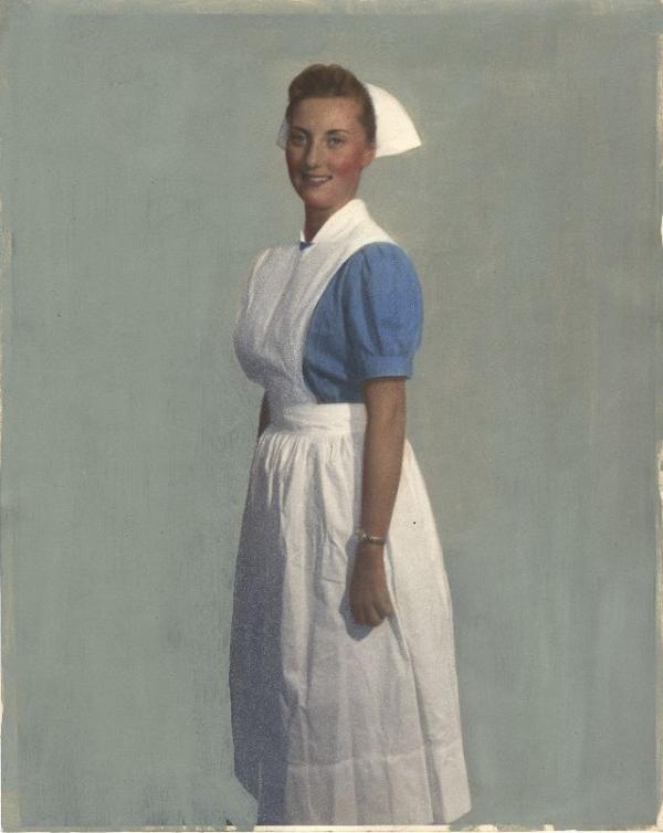 Loạt ảnh màu tái hiện đồng phục y tá của các quốc gia vào thập niên 1950