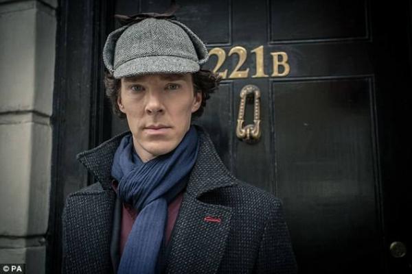 'Doctor Strange' Benedict Cumberbatch nghĩa hiệp xả thân cứu người ngoài đời thật