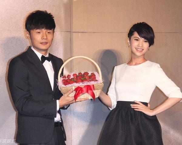 Bạn trai trẻ tuổi gây chú ý khi 'đột phá' chúc mừng sinh nhật Dương Thừa Lâm tới 9 chữ