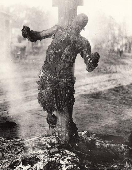 Con người là nguồn gốc của nhiều tội ác ám ảnh, không tin hãy xem 13 bức ảnh lịch sử này