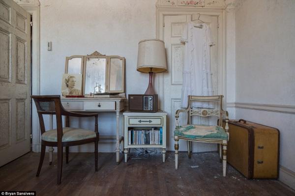 Có gì trong biệt thự 57 phòng bị bỏ hoang gần nửa thế kỷ ở Mỹ?