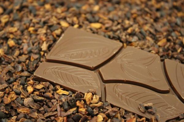 Mê mẩn ngắm quy trình chế biến hạt ca cao thành những thanh socola 'cực phẩm'