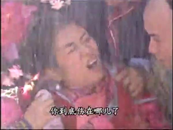 Những cảnh mưa quá đà trong phim Hoa ngữ: Tốn cả chục xe tải phun nước nhưng khán giả chỉ biết 'lăn ra cười'