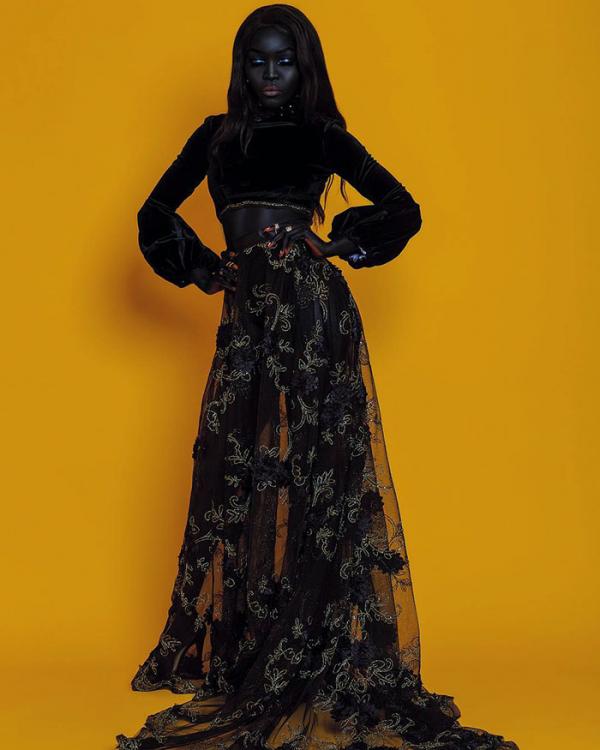 Bạn sẽ phải định nghĩa lại vẻ đẹp sau khi xem loạt ảnh vô cùng 'thần thái' của người mẫu da đen này