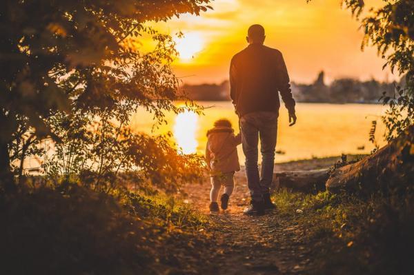 Con cái thừa hưởng trí thông minh từ bố hay mẹ? Thắc mắc muôn thuở nay đã có câu trả lời!