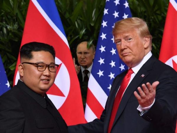 15+ meme vui nhộn từ cuộc gặp gỡ lịch sử của Donald Trump và Kim Jong Un