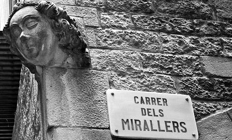 Đến Barcelona, ngoài ngắm... trai đẹp thì có thể đi thăm các địa điểm ma ám để thử lòng can đảm