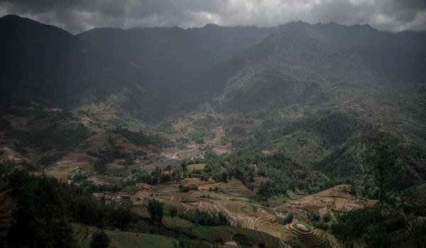 Những người phụ nữ Việt đi qua biên giới và 'biến mất' (P1)