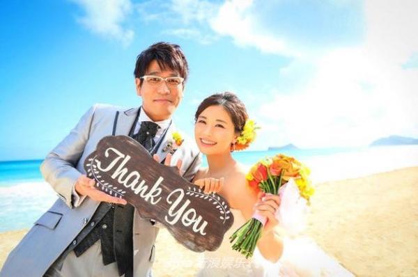 'Thánh Bút Dứa Táo Bút' ngày ấy - bây giờ: Thu nhập hàng triệu đô, hôn nhân viên mãn với vợ trẻ kém 15 tuổi