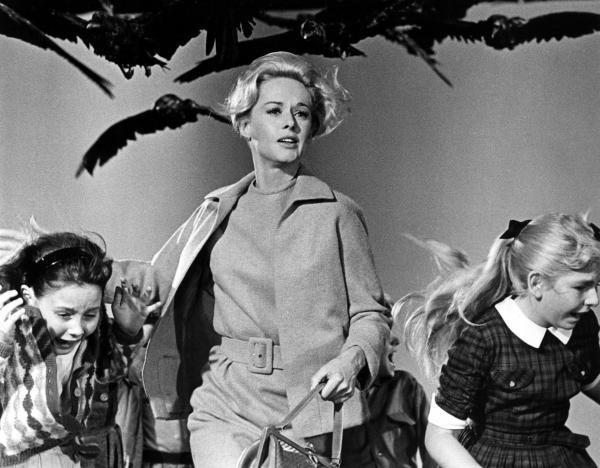 7 bộ phim kinh dị Hollywood mà sự thật phía sau hậu trường còn 'kinh dị' hơn cả phim