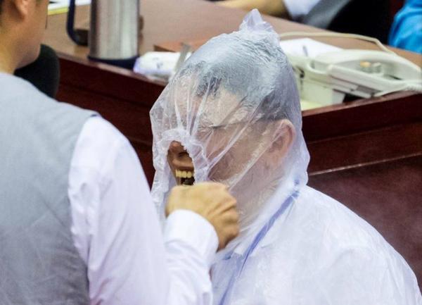 Chết cười với các pha chụp hình 'thiếu tâm' của các phóng viên (Kỳ 2)