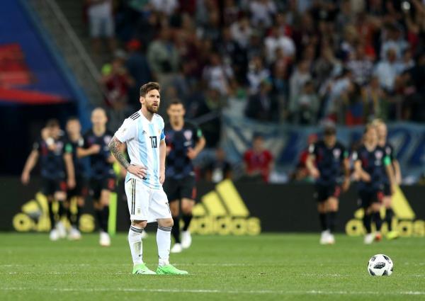 WC 2018: Tiếp tục dựa vào Messi, người Argentina đã quên mất 'một cánh én nhỏ chẳng làm nên mùa xuân'