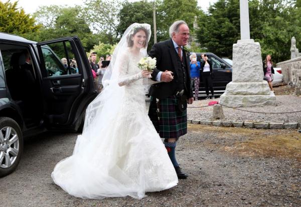 Cặp diễn viên 'Game of Thrones' chính thức kết hôn, biến lời thoại phim thành sự thật