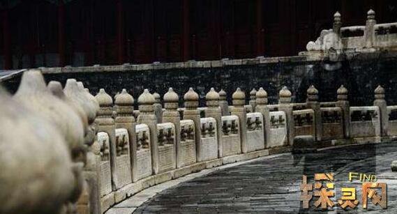 Đứng giữa Di Hoà Viên – Cung điện mùa hè đọc xong những truyện kinh dị này cũng thấy lạnh người