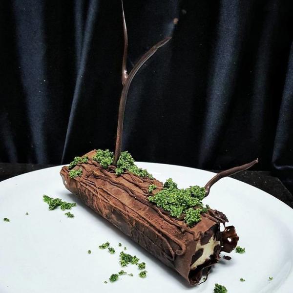 Thế giới chưa đủ đáng sợ hay sao mà đầu bếp còn dùng món tráng miệng 'chơi khăm' thực khách?