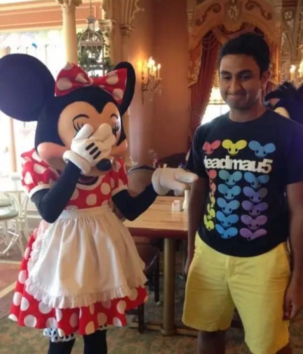 14 bằng chứng cho thấy nhân viên Disney là những người tận tâm với nghề nhất quả đất