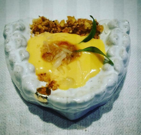 Muốn làm thực khách sốc nghẹn, nhà hàng hãy sưu tầm ngay những cách trang trí món ăn 'thú vị' này