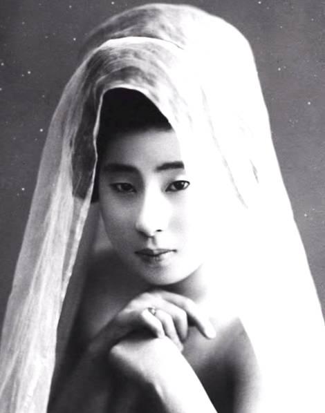 Vẻ đẹp thanh khiết của các Geisha Nhật thế kỷ 19 khi để mặt mộc và không mặc kimono