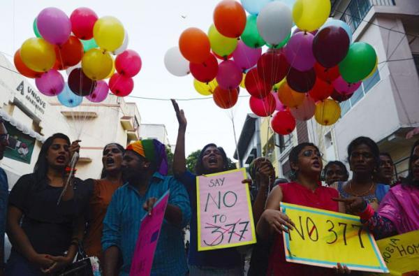 Ấn Độ có thể sẽ loại bỏ bộ luật đã tồn tại 157 năm về hình sự hóa với tình dục đồng tính