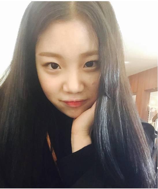 Lịch sử nhan sắc của JooE (Momoland) - nữ idol tự tin thừa nhận 'dao kéo' trên truyền hình