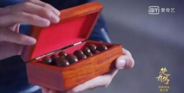 'Cười ná thở' với những cảnh quay vô lý kinh điển trong phim Hoa ngữ từ cổ chí kim