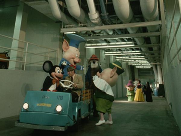 Cựu nhân viên bất ngờ tiết lộ những bí mật còn ẩn giấu ở công viên nổi tiếng Disneyland