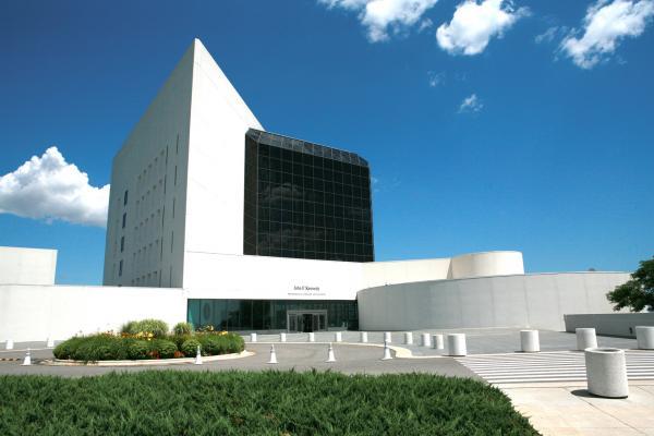 Công bố bản ghi chú của phu nhân cố tổng thống John F. Kennedy cho chuyến đi Dallas định mệnh