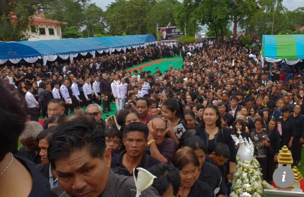 Đội bóng nhí được cứu khỏi hang Tham Luang bật khóc trước sự hy sinh của người cựu đặc nhiệm Thái Lan