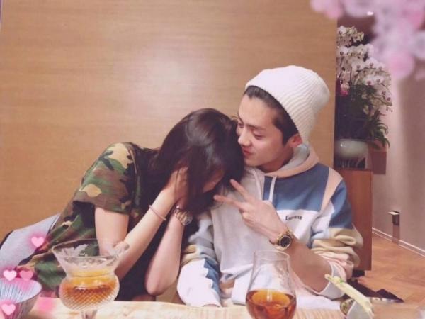 Lộc Hàm và Quan Hiểu Đồng chia tay sau gần 10 tháng hẹn hò?