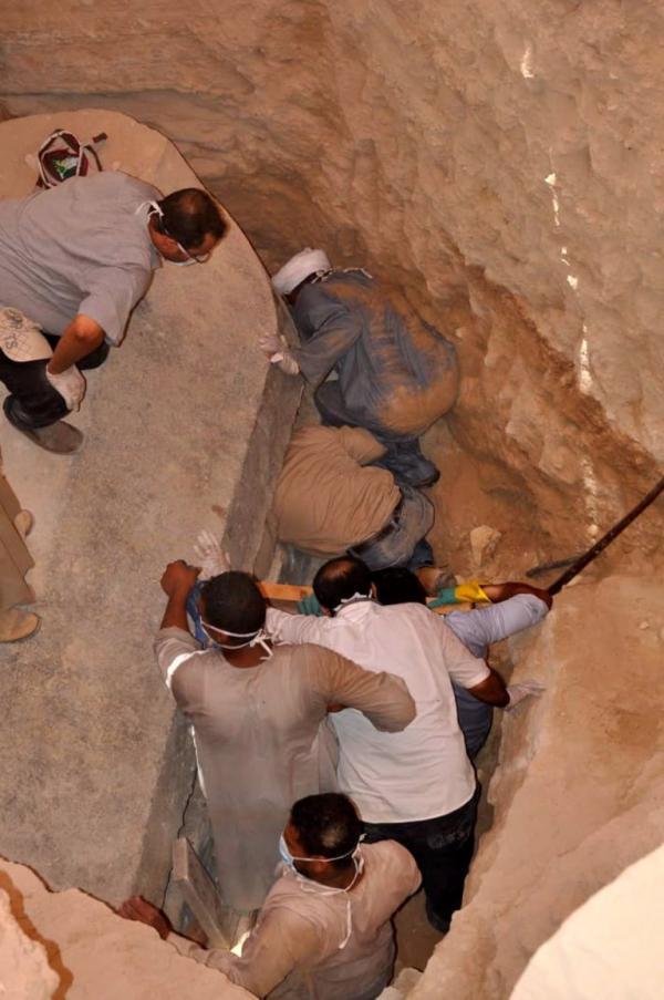 Những người mở nắp quan tài cổ 2000 năm của Ai Cập liệu có phải chịu 'lời nguyền pharaoh'?