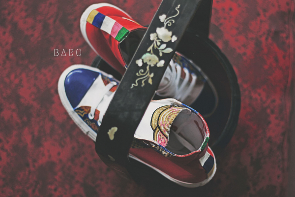 Đôi Converse hoạ tiết cung đình thời Nguyễn có phải là đôi giày ấn tượng nhất mà bạn từng thấy?