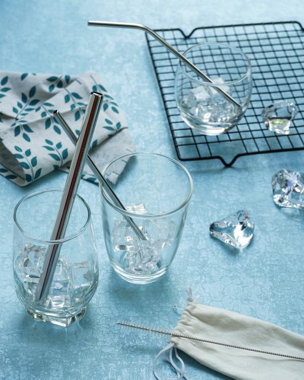 Cấm sử dụng ống hút nhựa, quán trà sữa 'điên đầu' tìm ống hút được trân châu cho khách