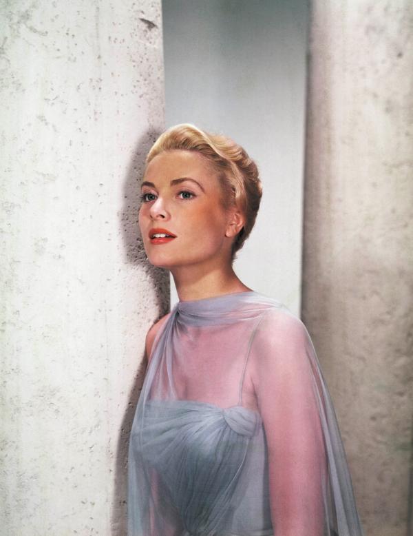 Tài sắc là thế nhưng Grace Kelly phải trả đến 2 triệu USD tiền hồi môn mới được cưới Hoàng tử Monaco