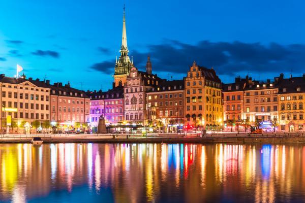 Quên Paris, London đi, giờ là thời của 9 'thánh địa du lịch' Châu Âu vừa đẹp vừa rẻ này