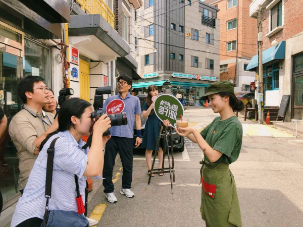 Người Việt hào hứng khi quán cà phê đậm chất Việt Nam xuất hiện trên đất Hàn