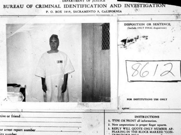 Thí nghiệm Nhà tù Stanford: Khi 'con quỷ' trong mỗi người có cơ hội được 'xổng chuồng'