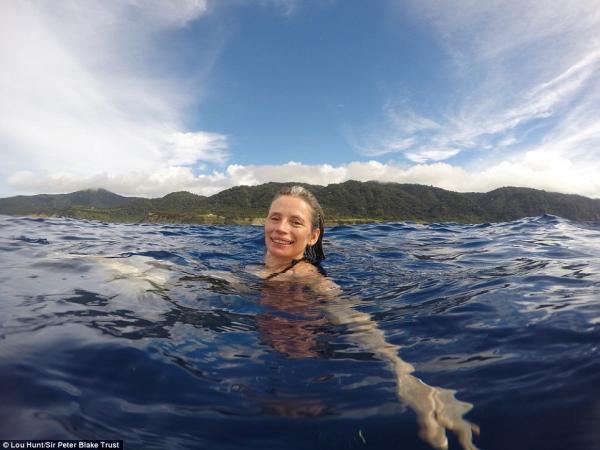 Cuộc đời kì lạ của Robinson phiên bản người thật: 16 tuổi giã từ đất liền, chọn sống 35 năm cùng gia đình ở đảo hoang