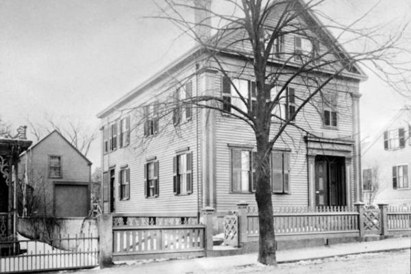 Sức hấp dẫn xuyên thời gian của vụ án mạng kinh hoàng Lizzie Borden