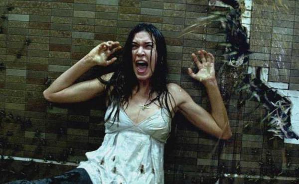 Hãy biến cơn ác mộng trở thành sự thực với những bộ phim kinh dị về loài gián