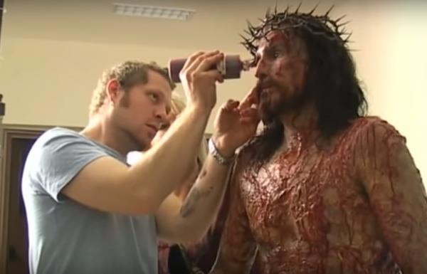 Làm phim về Chúa, ekip sản xuất 'The Passion Of The Christ' gặp hàng loạt sự cố đáng sợ ngay trên phim trường