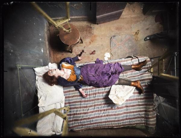 Loạt ảnh tô màu cho hiện trường vụ án của nhiếp ảnh gia có khả năng 'tiên tri tội ác'