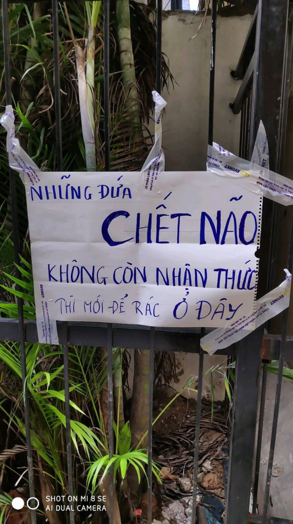Những tấm biển cấm đổ rác 'gắt' nhất Việt Nam liệu có khiến ý thức người dân khá hơn?