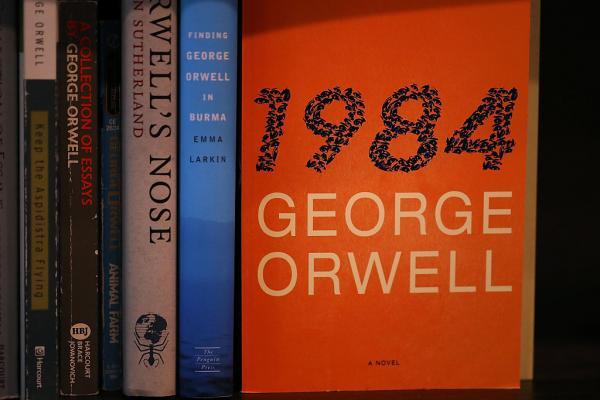 6 sự thật thú vị đằng sau các quyển sách nổi tiếng